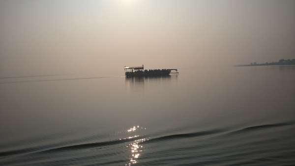 Ferry(pantu) On Godavari And Early Sunshine - My Click My Pick