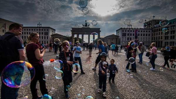 Bubbles And Happiness. - My Click My Pick