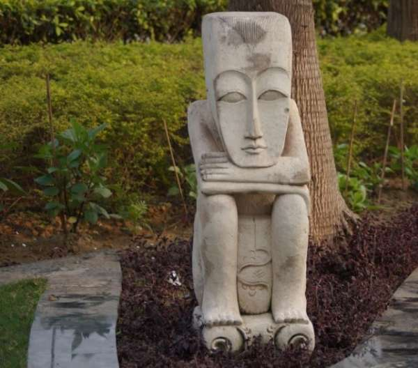 Statue + Nature = Beauty - My Click My Pick